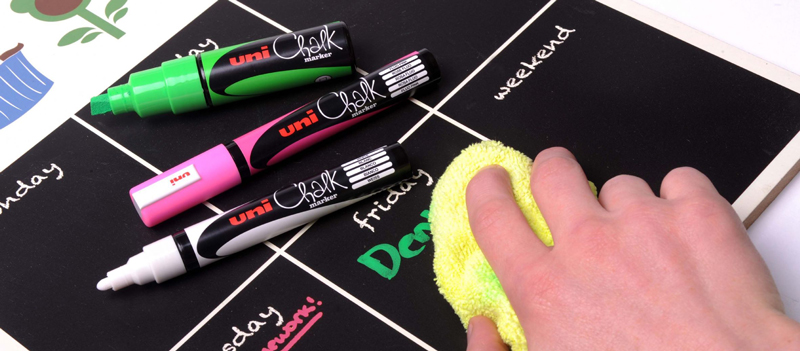 Uni Chalk Markers